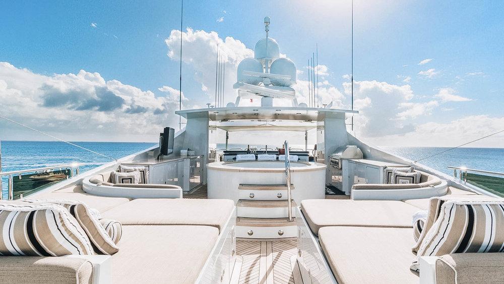 oceanclub-yacht-iyc-charter-sundeck-viewaft-012.jpg
