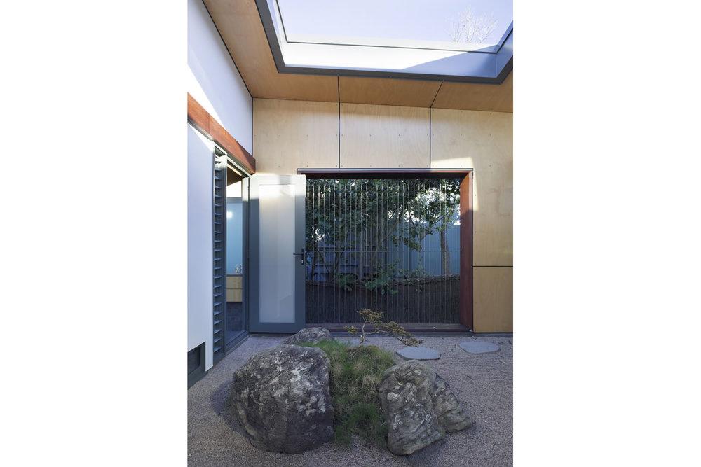 25 Courtyard.jpg