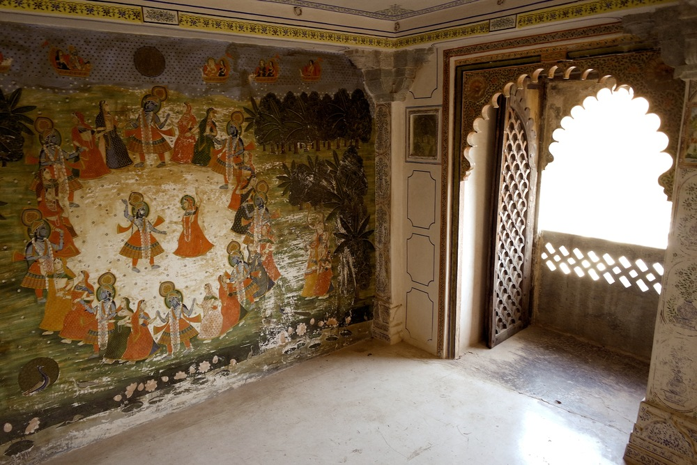 A room at the top of the Juna Mahal