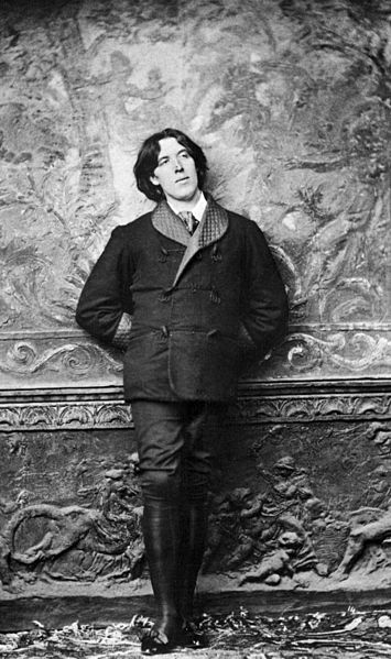 Oscar Wilde, the dandy himself