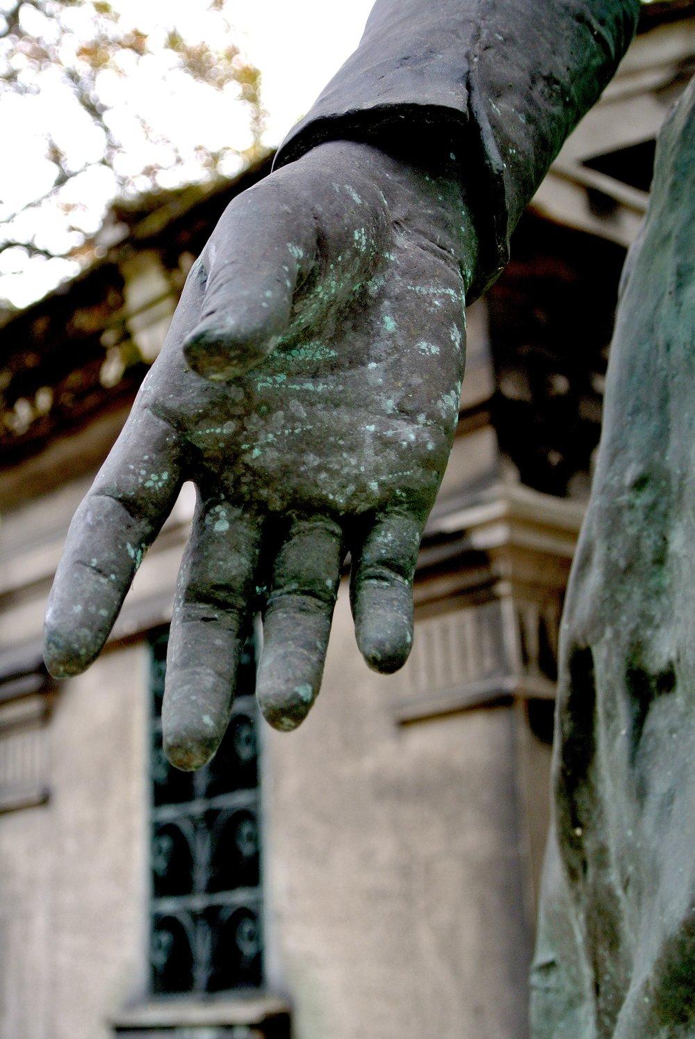 handygrave.JPG