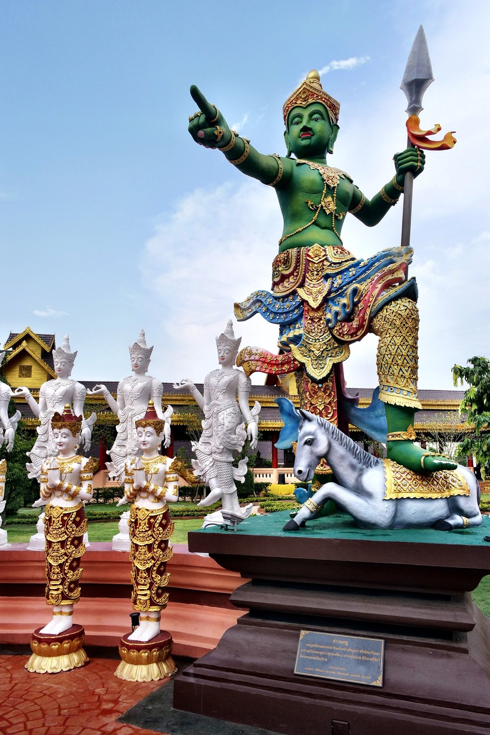 Who's going to love a visit to Wat Sang Kaew? You are!