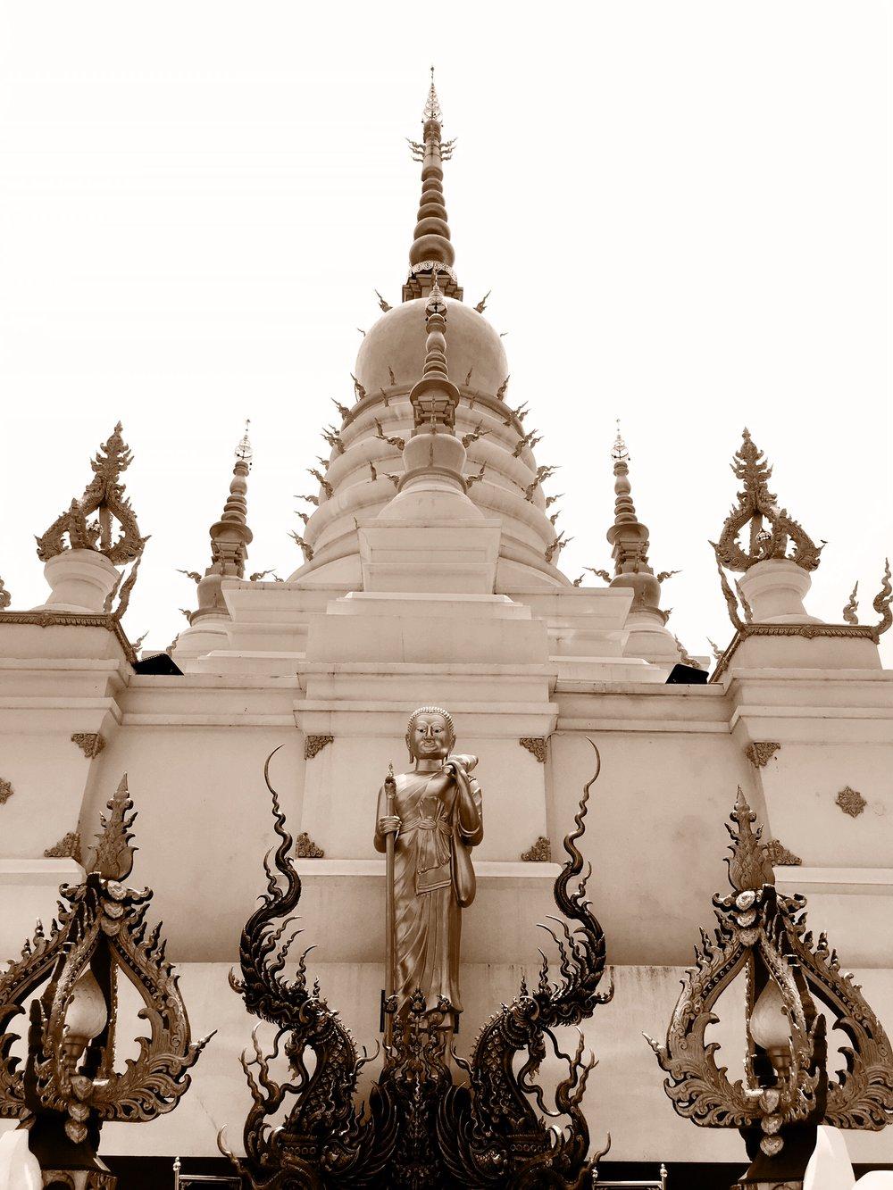 The stupa at Wat Rong Suea Ten