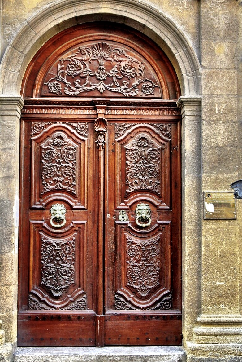 doorsofprovence8.jpg