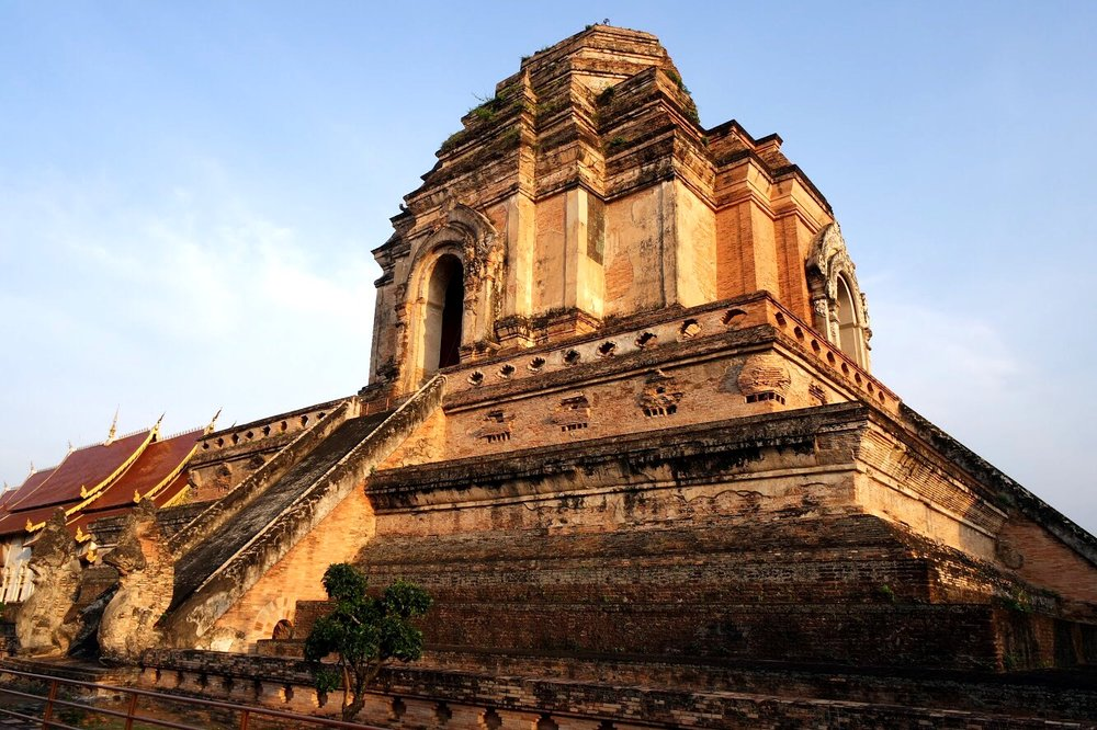 It seems as if everyone traveling to Chiang Mai, Thailand puts Wat Chedi Luang on the to-do list