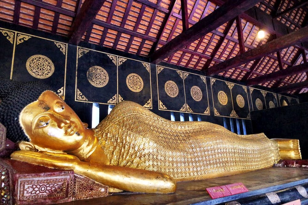 This reclining Buddha fills a pavillion at the back of the chedi