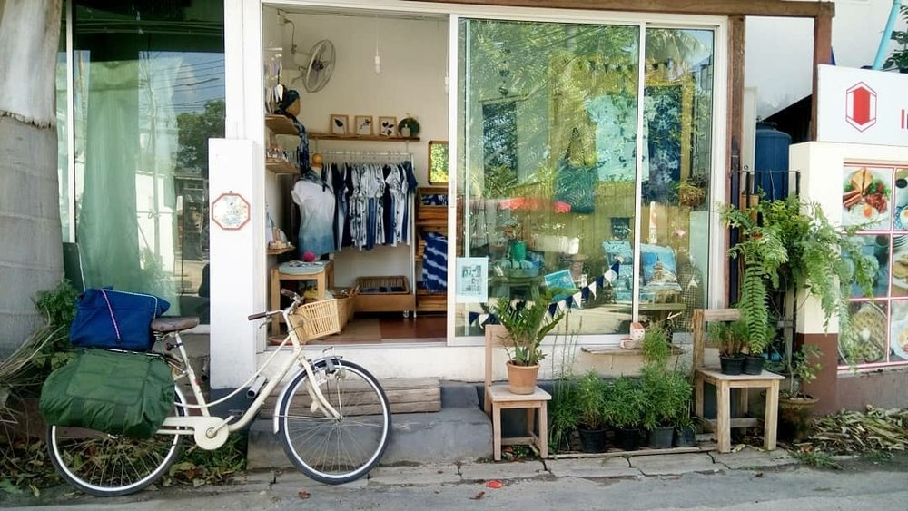 The adorable Kajidrid shop sells HaNa Natural Indigo products