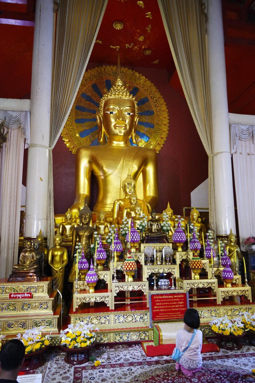 phrasinghbuddha.JPG
