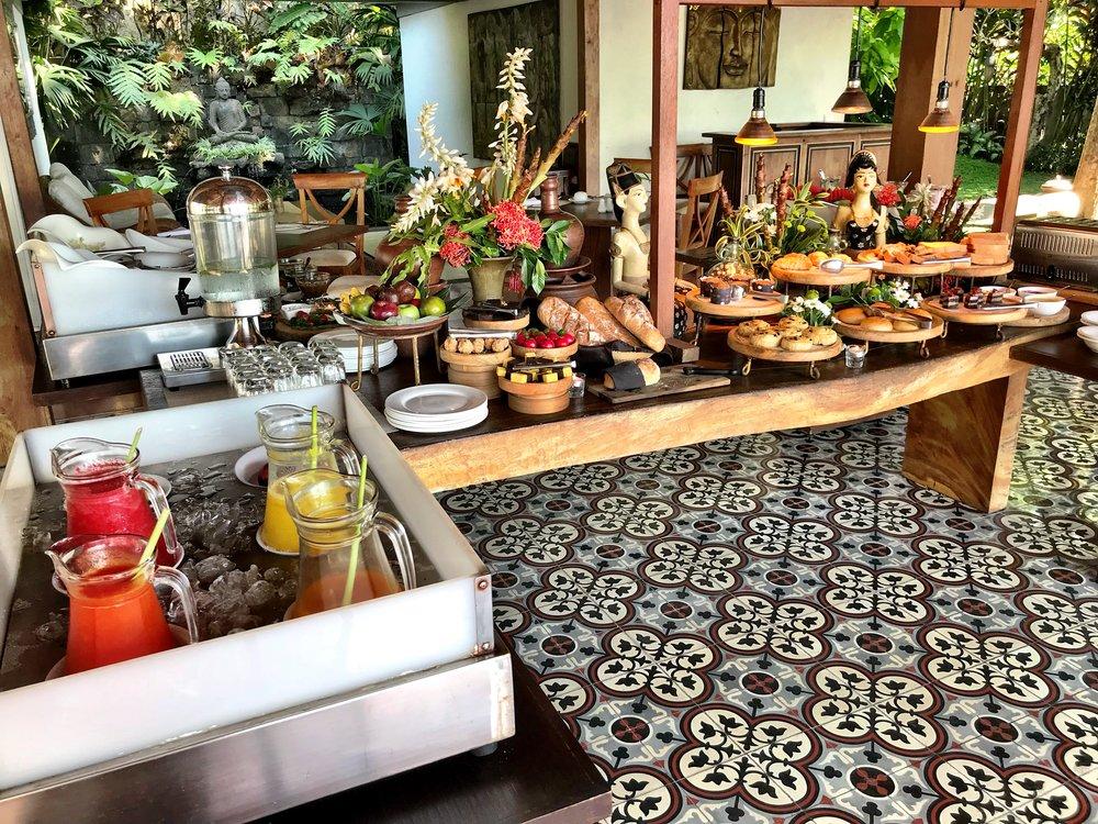 The scruptious breafast buffet