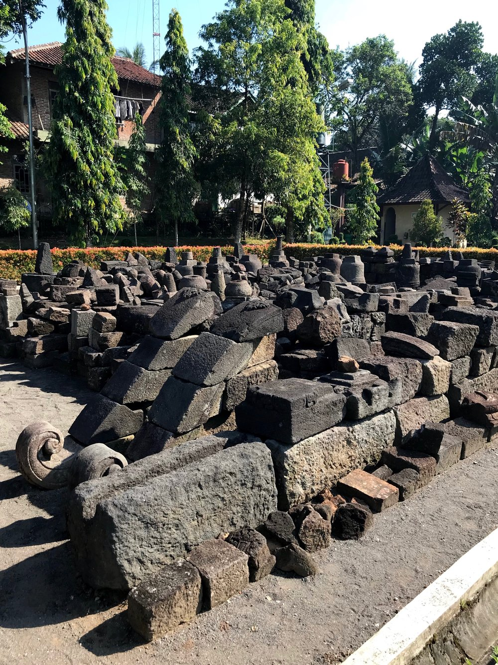Parts of the temple have been excavated but not rebuilt, as they're missing pieces