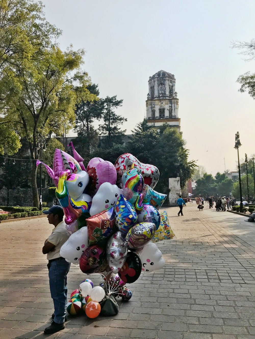 You'll see balloon vendors all over CDMX