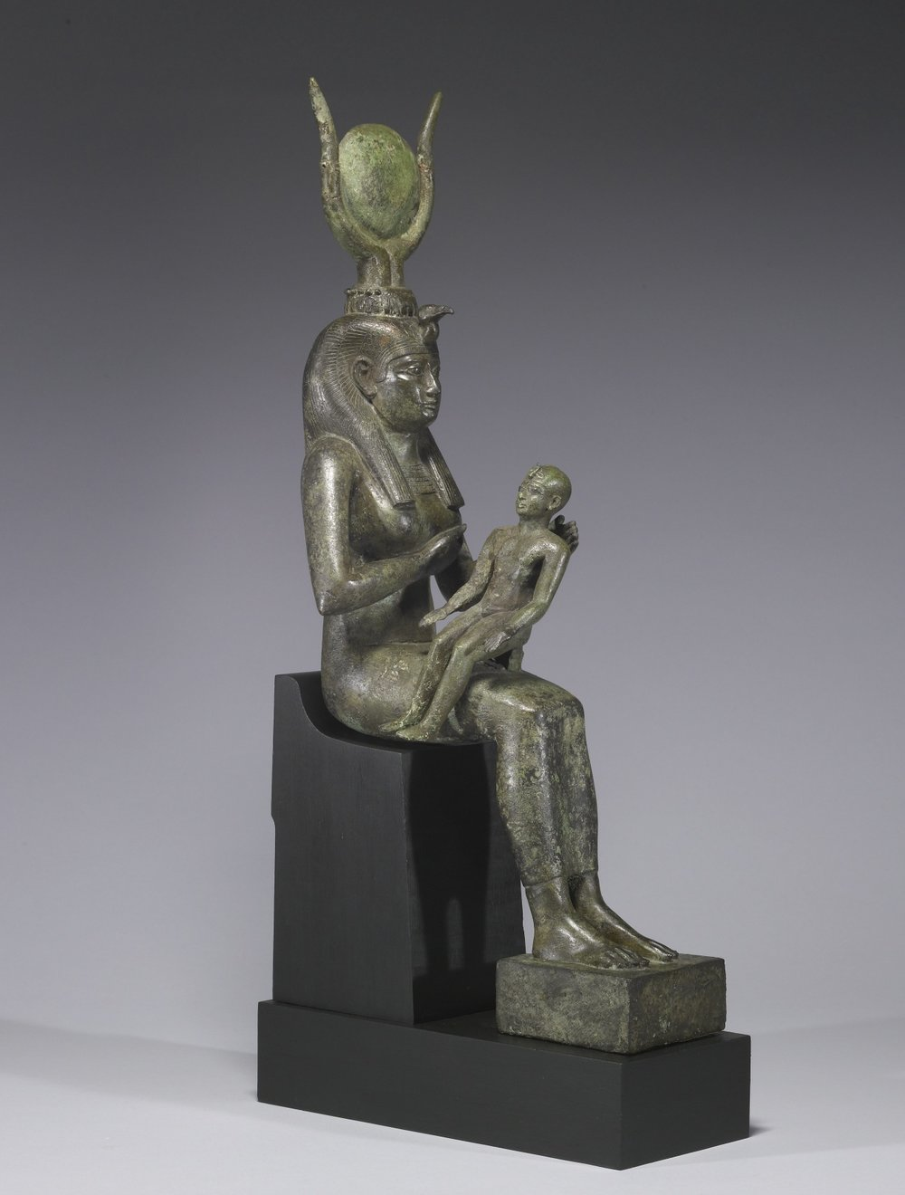 Seth argues that Horus cannot be king because his breath stinks — an allusion to Horus breastfeeding from his mother, Isis, and a dig at his youth