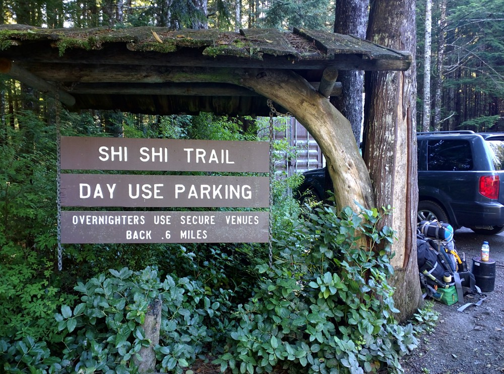 Trailhead and day use parking lot