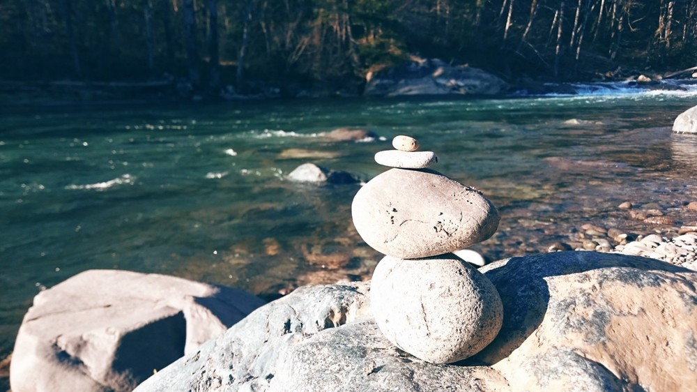 Cairn on Green River at Kanaskat-Palmer State Park