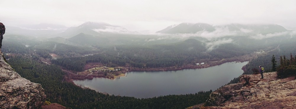 Panoramic view of Rattlesnake Lake as seen from Rattlesnake Ledge