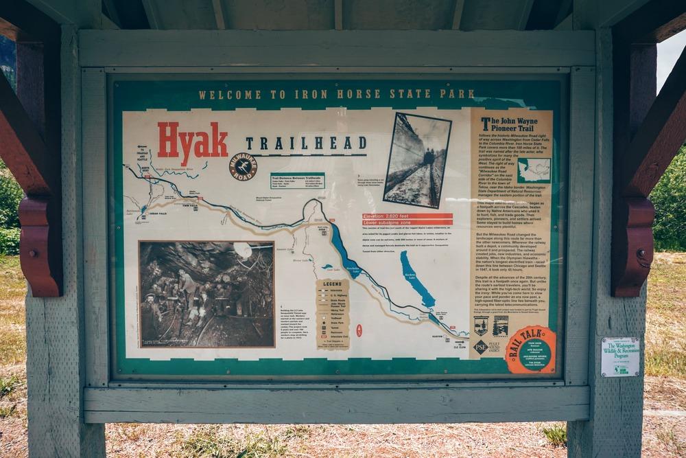 Hyak Trailhead Sign
