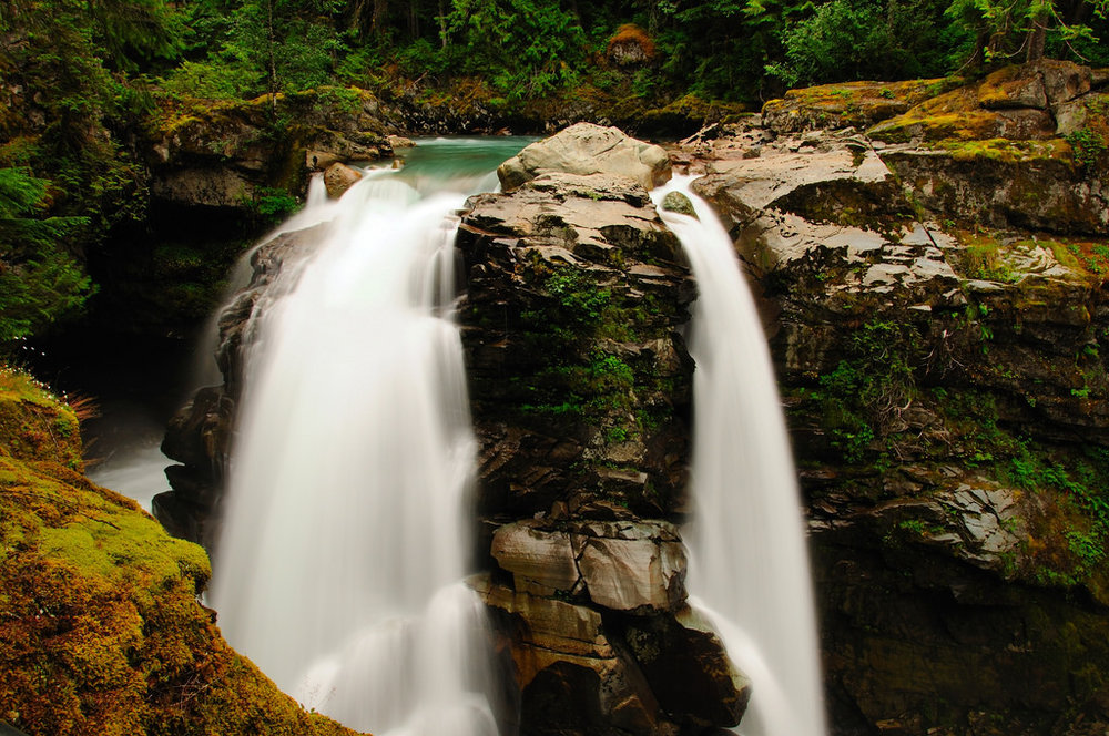 Nooksack Falls, Mount Baker. Photo credit:    Flickr/Vineesh Devasia