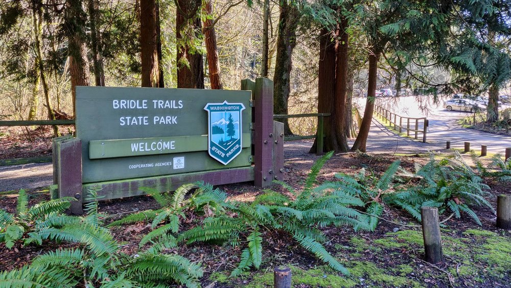 Welcome sign at Bridle Trails State Park