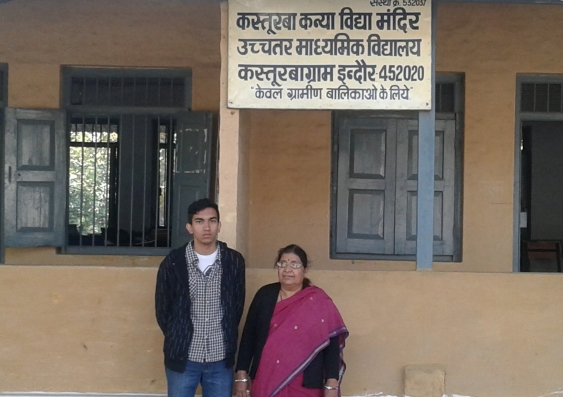 lokseh_with_school_principal_mrs_joshi_3.jpg