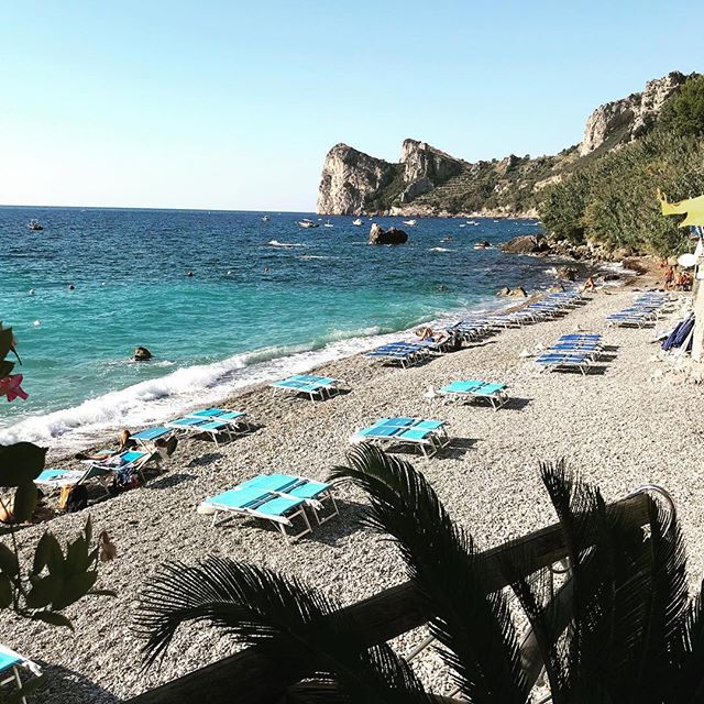 When you're awake in the middle of the night for night time feeds, feeling exhausted and wishing just for a moment you were here... ⠀⠀⠀⠀⠀⠀⠀⠀⠀ Amalfi Coast. Perfect location for our Amalfi V-Neck Blouse 🌊🌴 ⠀⠀⠀⠀⠀⠀⠀⠀⠀ Photo credit @collettedinnigan x ⠀⠀⠀⠀⠀⠀⠀⠀⠀ #amalficoast #amalficollection #breastfeeding #daydreaming