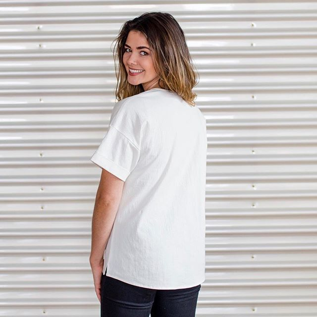 Tag a friend who needs a pick me up...and a new top! 🌞 Shop our all-season Amalfi Tops on SALE for 30% OFF (available in classic Black or White). Happy weekend mummas.❤️ ⠀⠀⠀⠀⠀⠀⠀⠀⠀ ⠀⠀⠀⠀⠀⠀⠀⠀⠀ Use code: HAPPYDAYS at checkout. 🌞 ⠀⠀⠀⠀⠀⠀⠀⠀⠀ #seasonsale #summertops #saleonnow #30%off #breastfeedingtop #amalfi #feedwithconfidence #feedinstyle #stylefeeder #stylefeedwomen