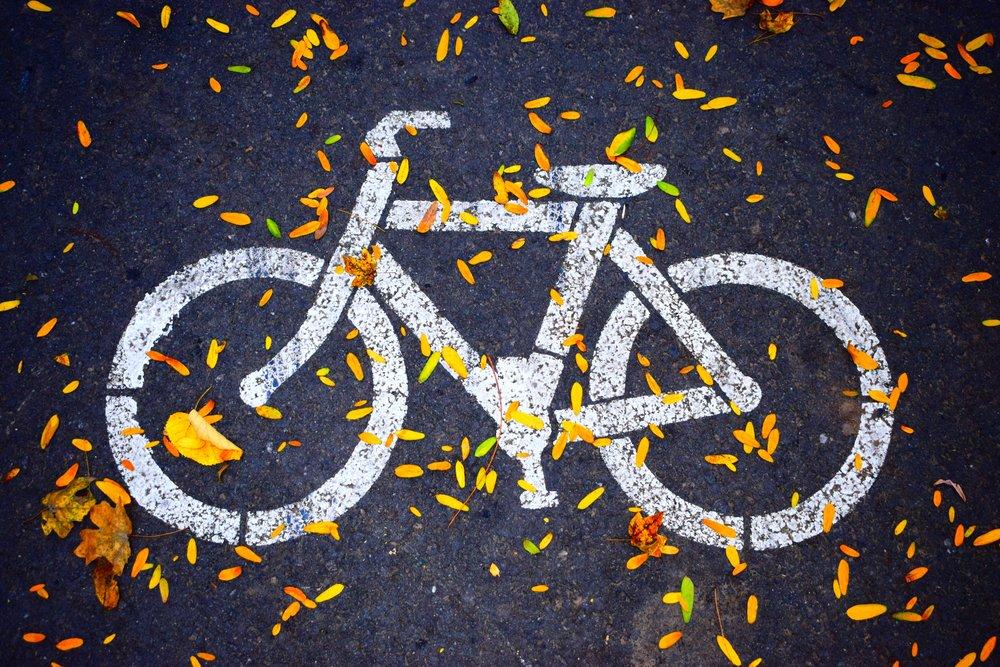 asphalt-bicycle-bike-686230.jpg
