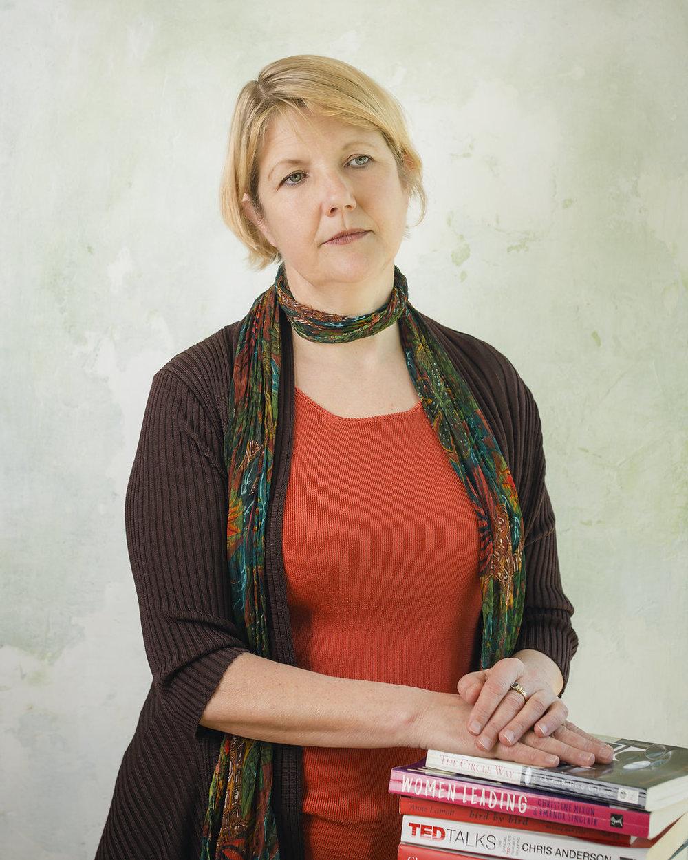 Kate Lawrence ponderer
