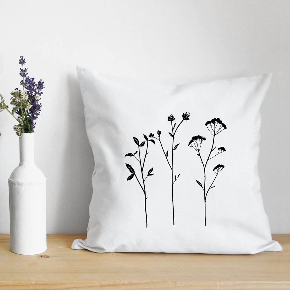 flower fig pillow- flower design.jpg