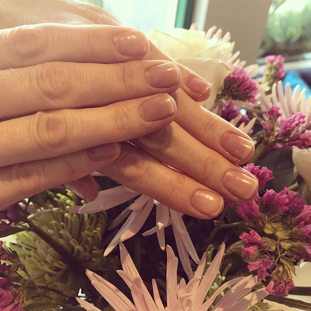 #naturalnails #manicure in case polish isn't your thing, but properly cleaned cuticles are ! #nailsofinstagram #nailssalon