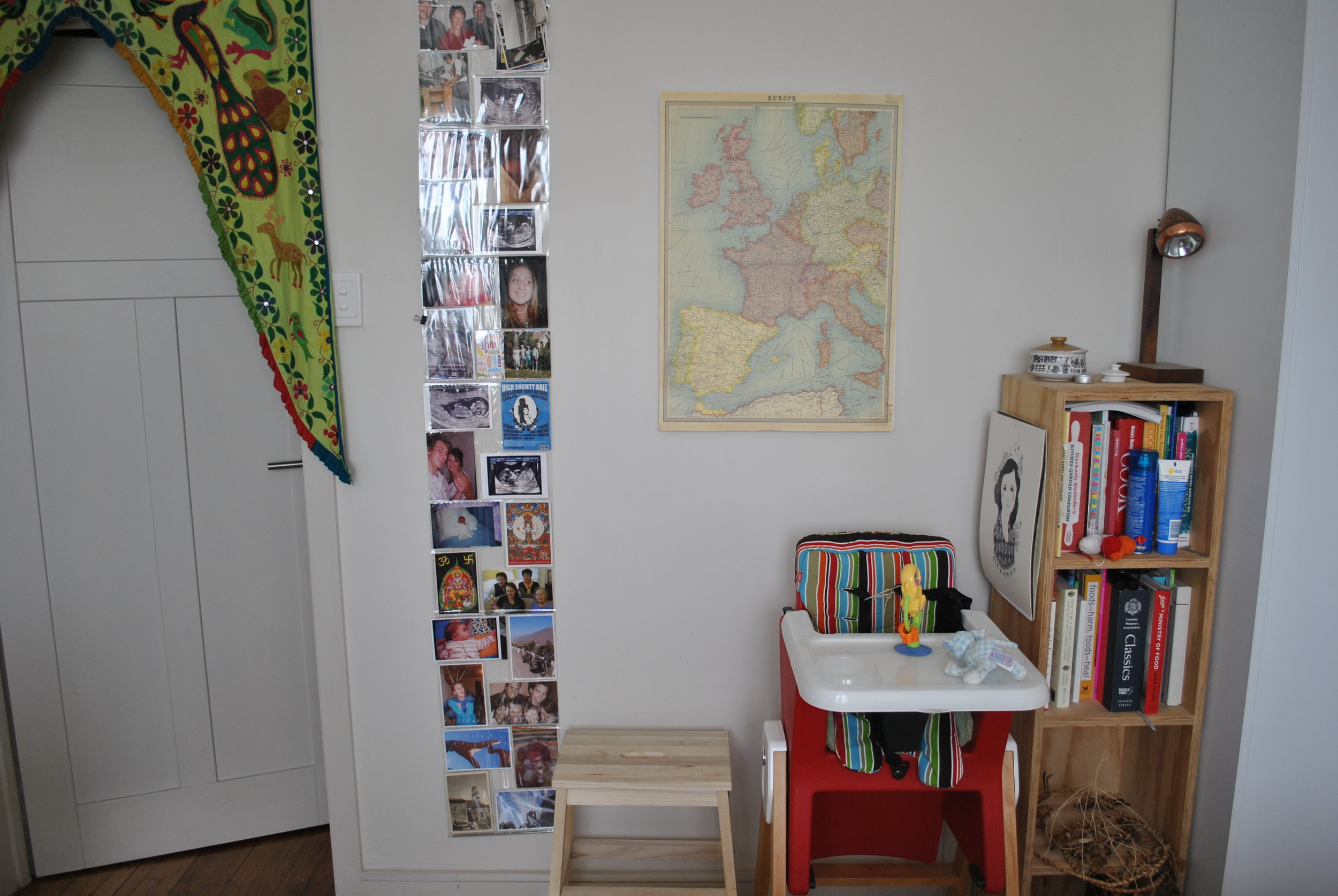 More kitchen photos. The door hanging thing on the right was bought in India, the photo holder thing is from Urban Outfitters and the map is from Zetta Florence.