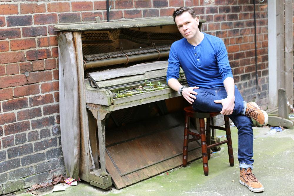 promo piano lean.jpg