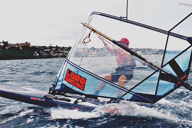 Justin's #custom sail powered up @windsurfingreligion #raceboardwindsurfing #sydneyharbour #woollahrasailingclub #windsurfing #raceboard
