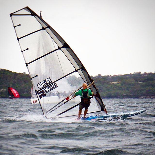 Good to see Brett Morris on a #raceboard @slake_aerospace #raceboardwindsurfing #windsurfing #formulawindsurfing #woollahrasailingclub #sydneyharbour