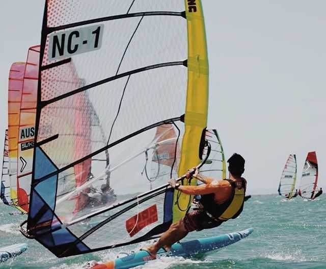 #raceboardwindsurfing #australiannationals #raceboards #royalqueenslandyachtsquadron #rqys #lordracing @royal_qld_yacht_squadron @windsurfingreligion  Pic - Dave Bell