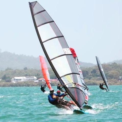 Hunting upwind #australiannationals #raceboardwindsurfing #windsurfing #royalqueenslandyachtsquadron #rqys #upwind #moretonbay