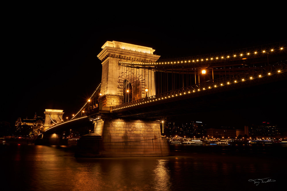 Budapest bridge.jpg