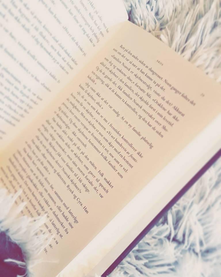 Tenk om jeg en dag kan sitte med en slik bok i hånden og vite at den boka der... Den har JEG skrevet!