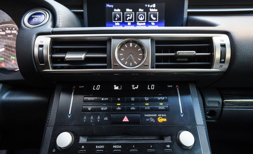 Lexus-2.jpg
