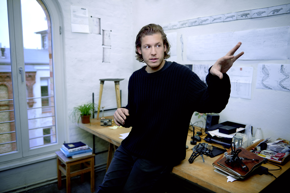 Marcel Pasternak, Inventor of bionicTOYS.      Photography: Ben Nicolaus