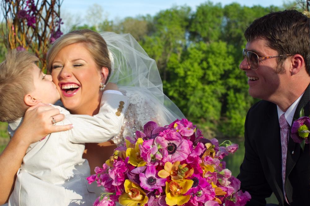 ThisbeGrace.WEDDING.LostPines.0014.jpg