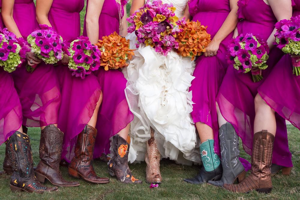 ThisbeGrace.WEDDING.LostPines.0015.jpg