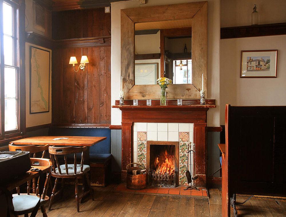 AnchorPub-Dinningroom.jpg