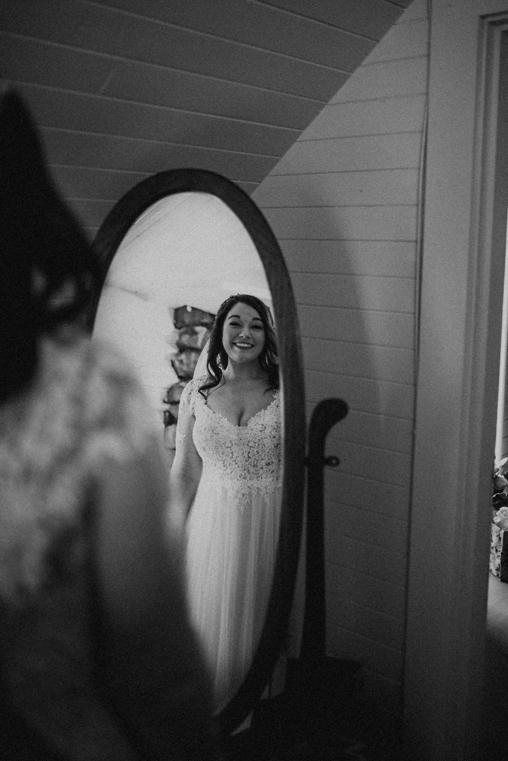 VanessaAlvesPhotography_AtlantaWeddingPhotographers_RockportMAWedding_BostonWeddingPhotographers_CarnivalThemedWedding_32.jpg
