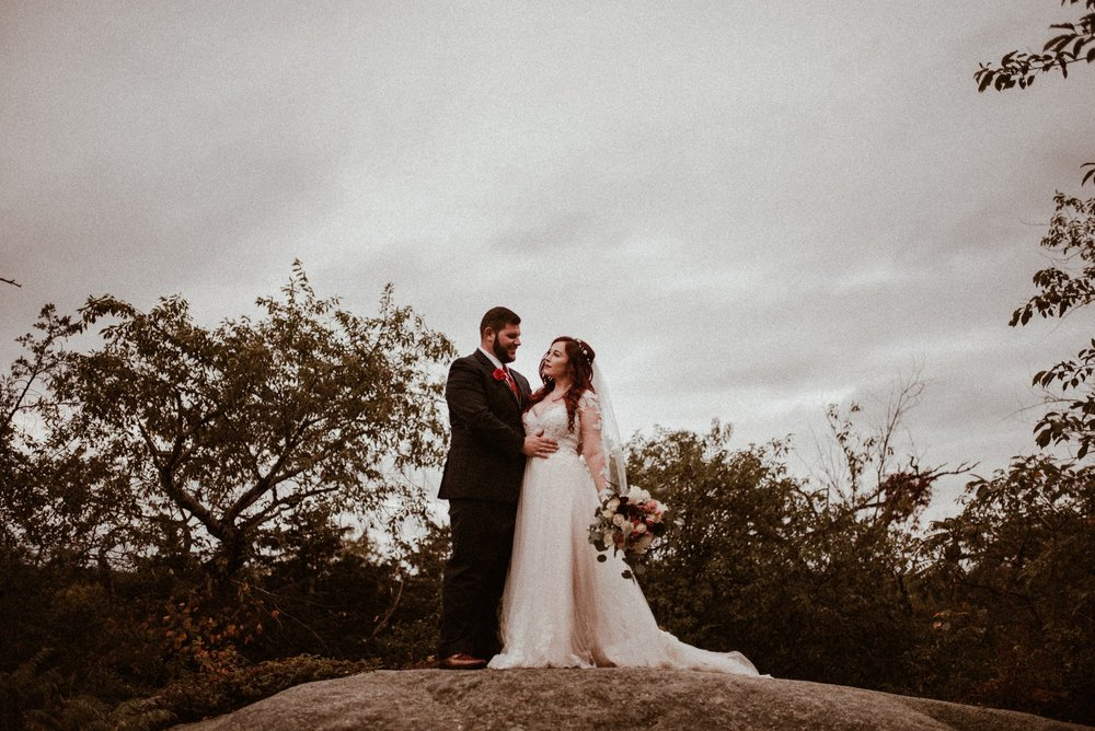 VanessaAlvesPhotography_AtlantaWeddingPhotographers_RockportMAWedding_BostonWeddingPhotographers_CarnivalThemedWedding_84.jpg