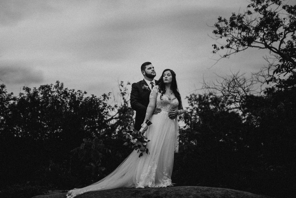 VanessaAlvesPhotography_AtlantaWeddingPhotographers_RockportMAWedding_BostonWeddingPhotographers_CarnivalThemedWedding_85.jpg