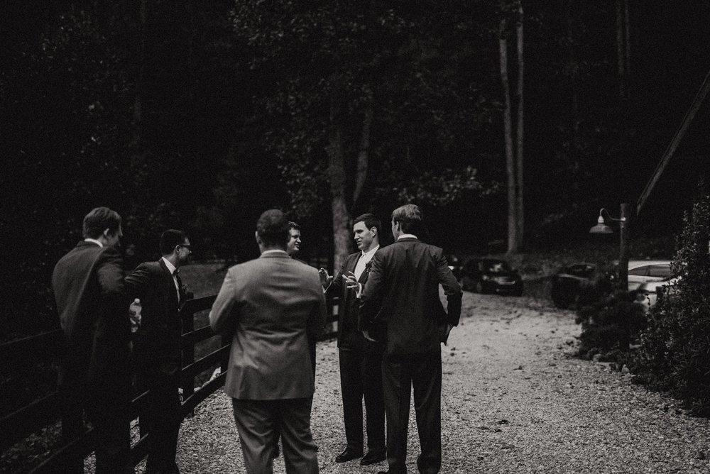 north-carolina-fall-vineyard-wedding-vanessaalvesphotography-29.jpg