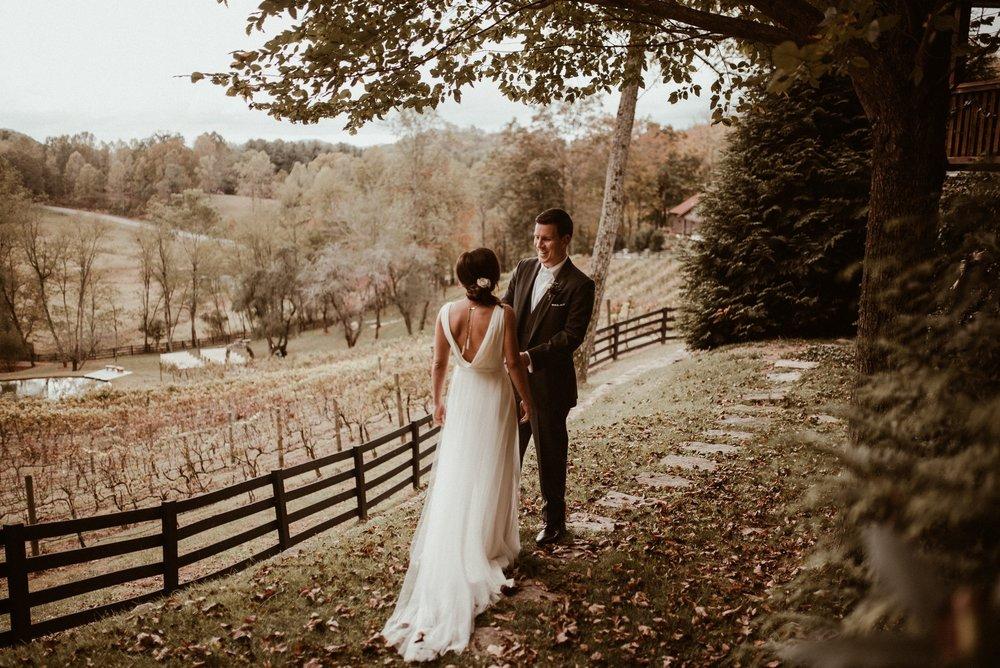 north-carolina-fall-vineyard-wedding-vanessaalvesphotography-34.jpg