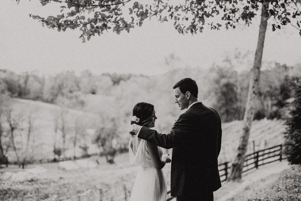 north-carolina-fall-vineyard-wedding-vanessaalvesphotography-37.jpg