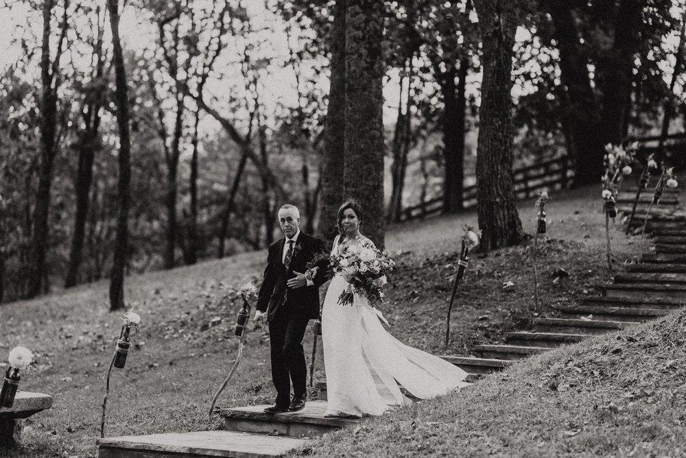 north-carolina-fall-vineyard-wedding-vanessaalvesphotography-67.jpg