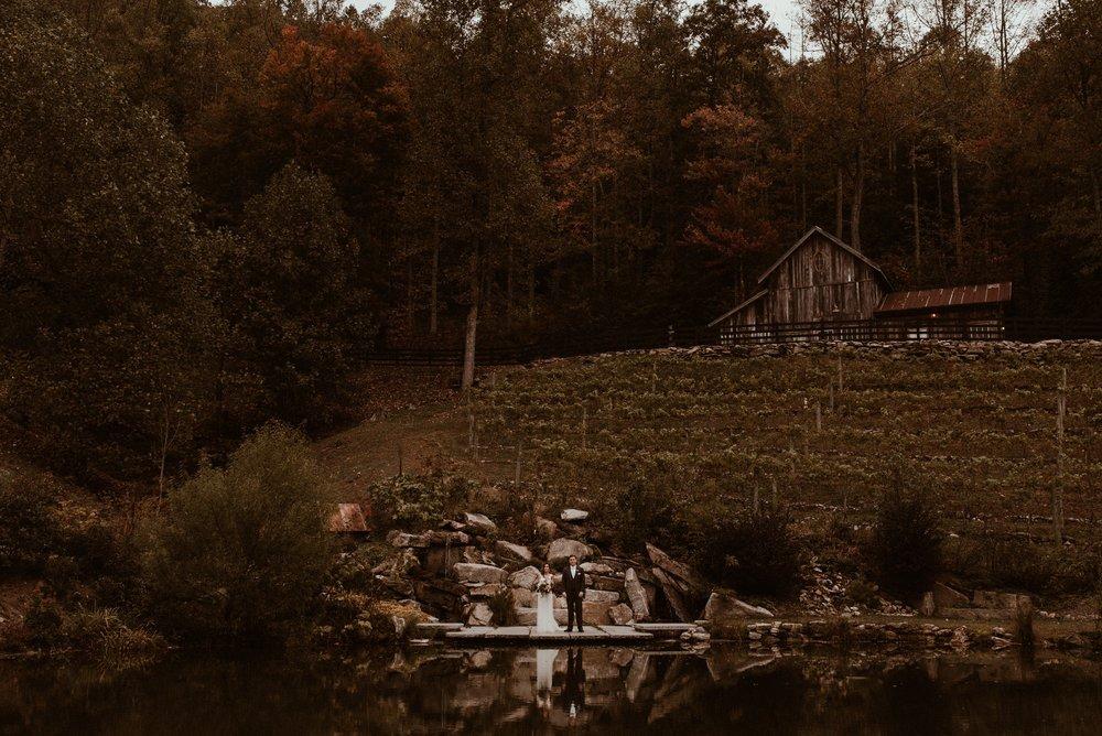 north-carolina-fall-vineyard-wedding-vanessaalvesphotography-81.jpg